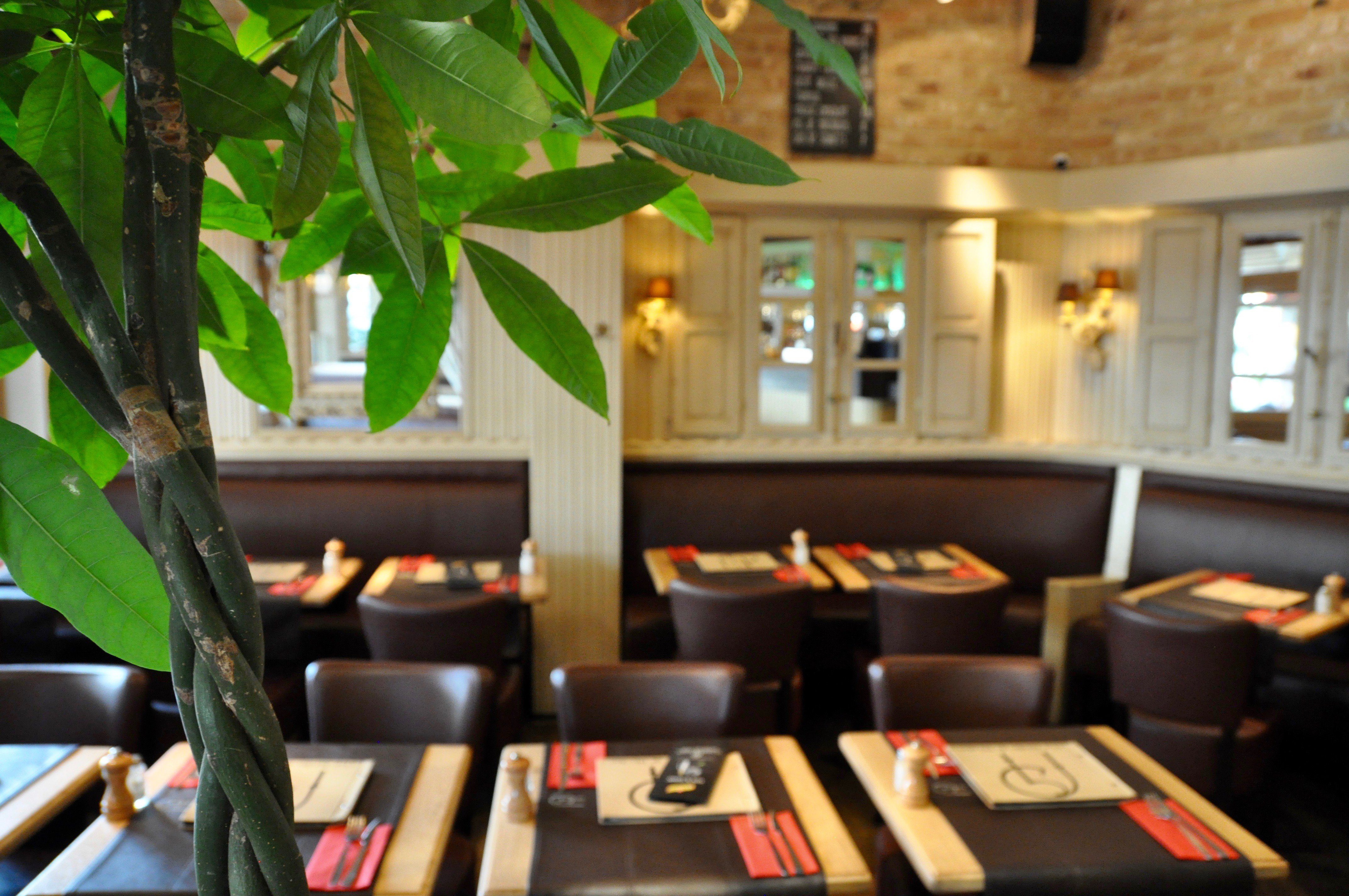 Le jardin de nicolas restaurant fran ais woluwe saint - Resto terrasse jardin bruxelles nanterre ...