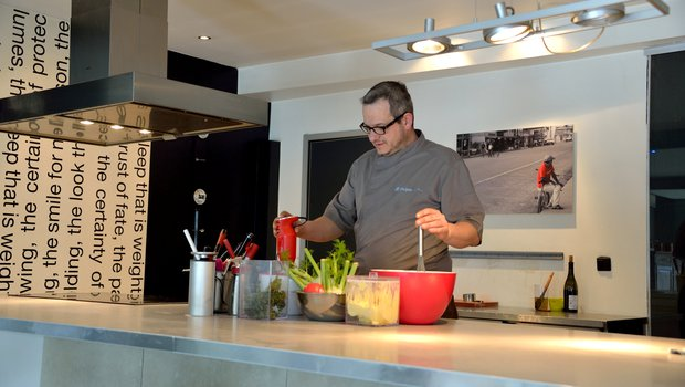 la cuisine du futur restaurant gastronomique liege 4000. Black Bedroom Furniture Sets. Home Design Ideas