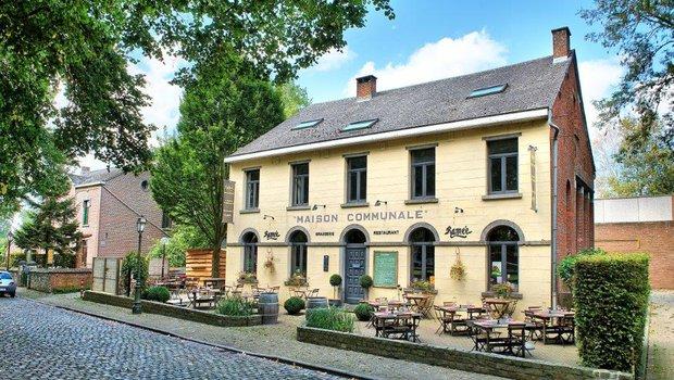 La maison communale restaurant fran ais ceroux mousty 1341 - La maison de la place saignon ...