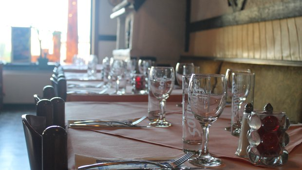Le Chateau Grec Menu Restaurant