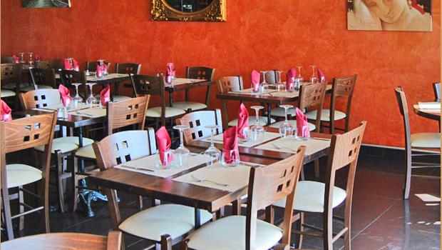 Le bellini restaurant m diterran enne saint laurent du - Restaurant port de saint laurent du var ...