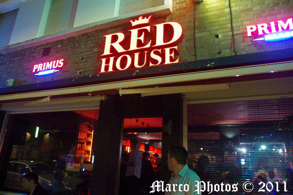 le red house cafe restaurant internationale dunkerque 59140. Black Bedroom Furniture Sets. Home Design Ideas