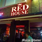 LE RED HOUSE CAFE