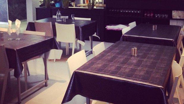 bar restaurant caf t ria la parenth se restaurant traditionnelle metz 57000. Black Bedroom Furniture Sets. Home Design Ideas