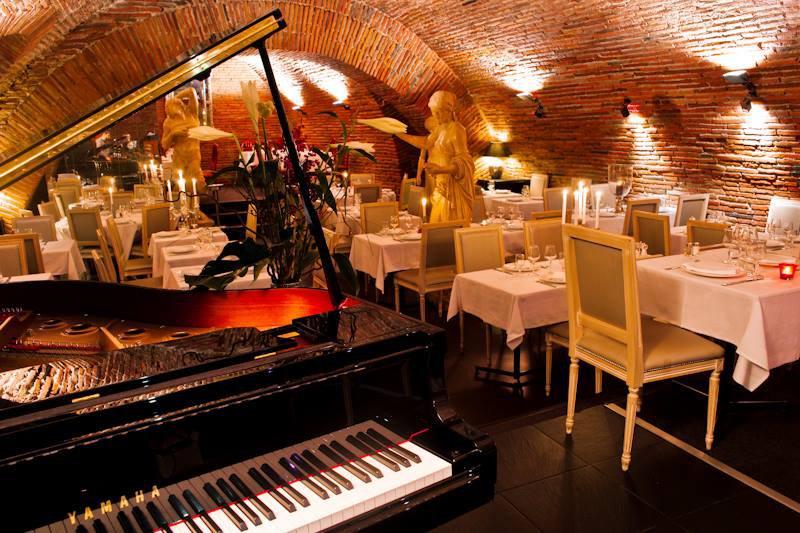les caves de la marechale restaurant traditionnelle toulouse 31000. Black Bedroom Furniture Sets. Home Design Ideas