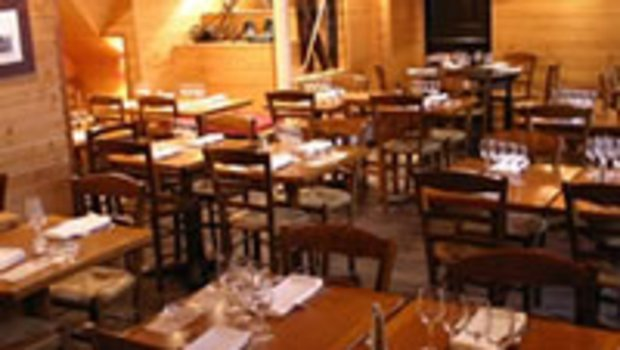 Le chalet de neuilly restaurant savoyarde neuilly sur for Restaurant le jardin neuilly