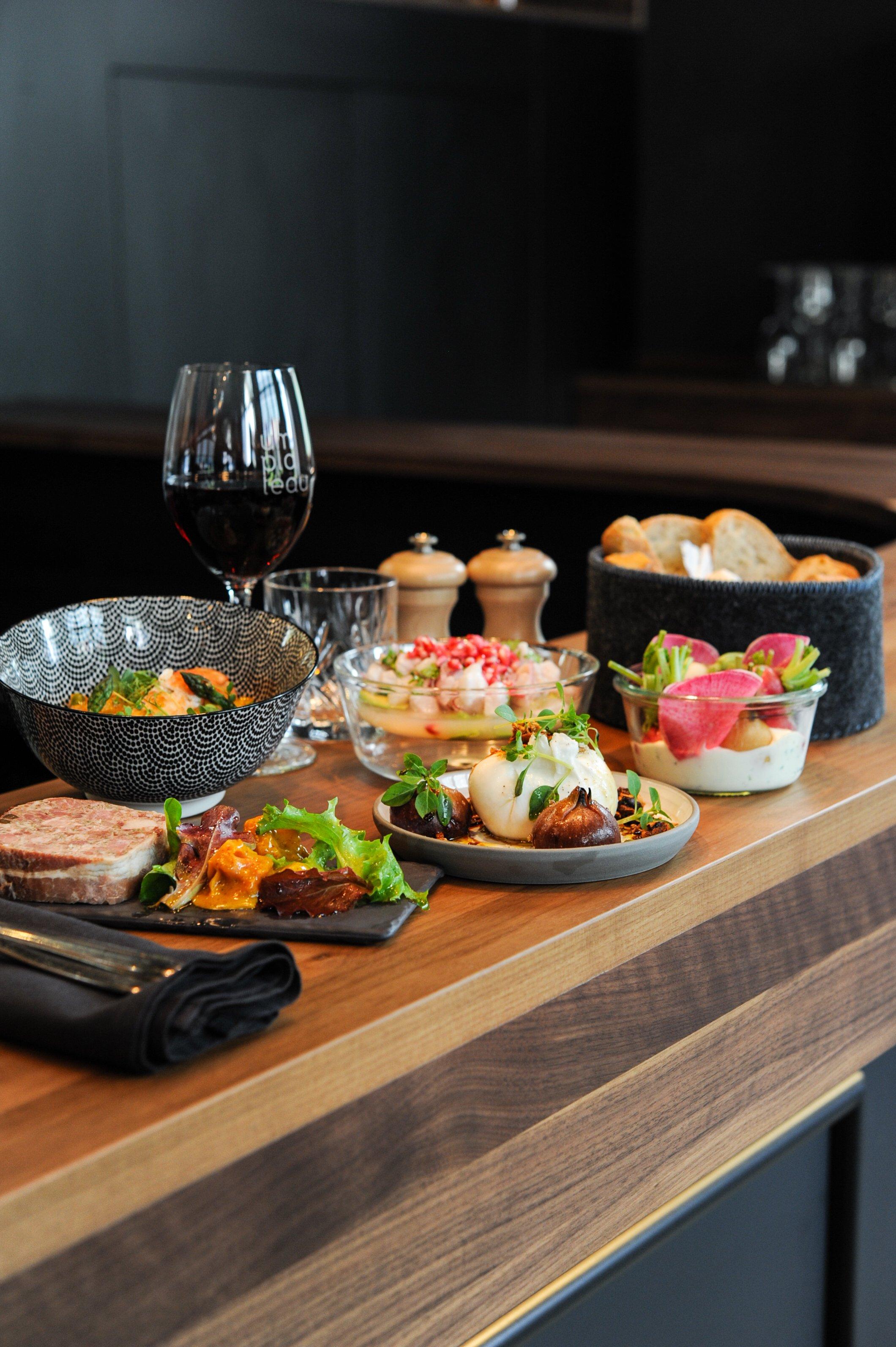 Um plateau restaurant fran aise clausen luxembourg 1123 for Yankey cuisine africaine a volonte